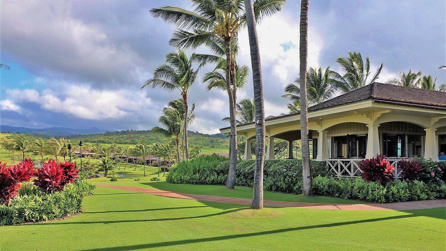 Hawaii resort guests are up for intensive instruction