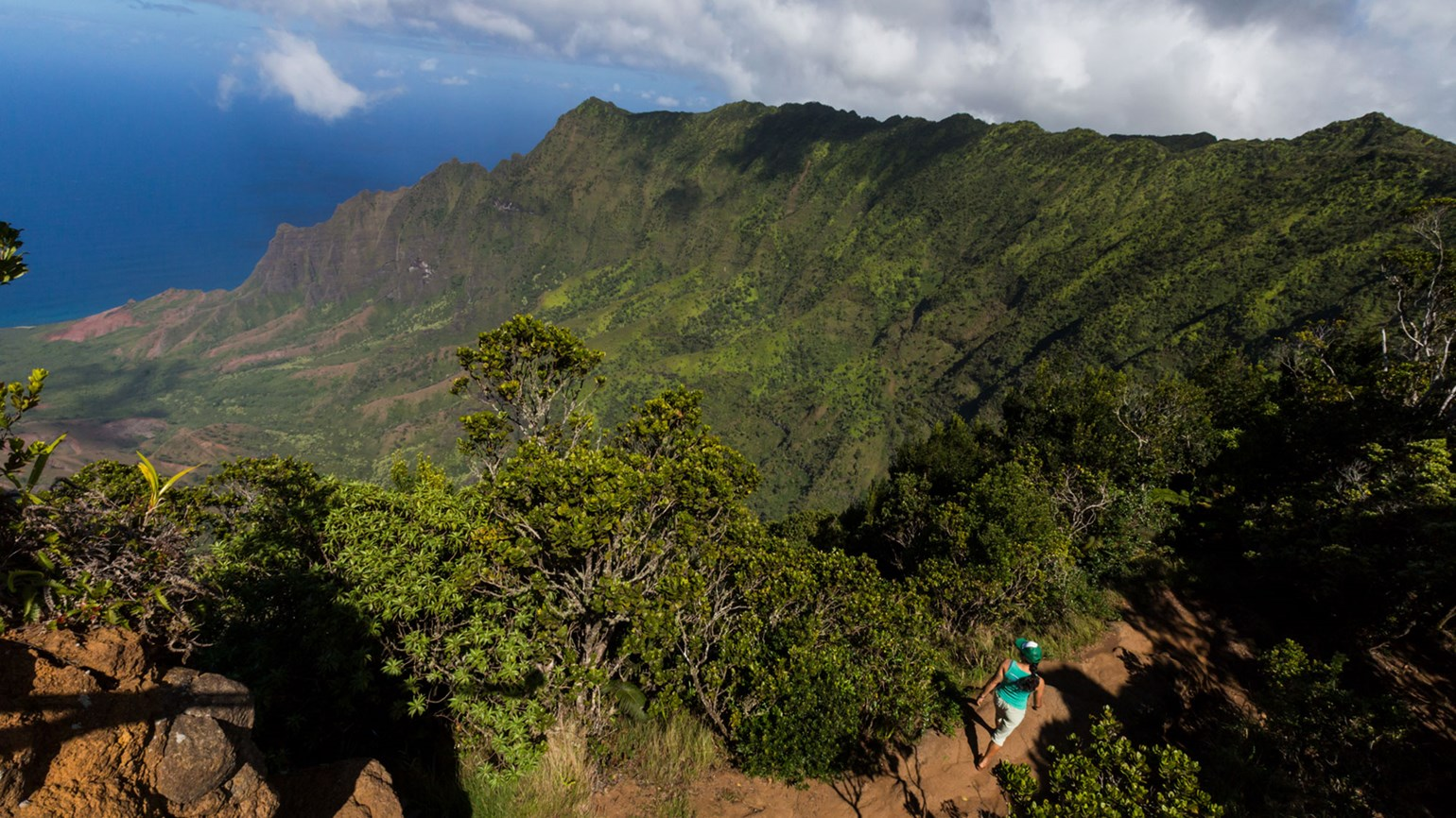 Look to Hawaii's hikes for socially distanced fun