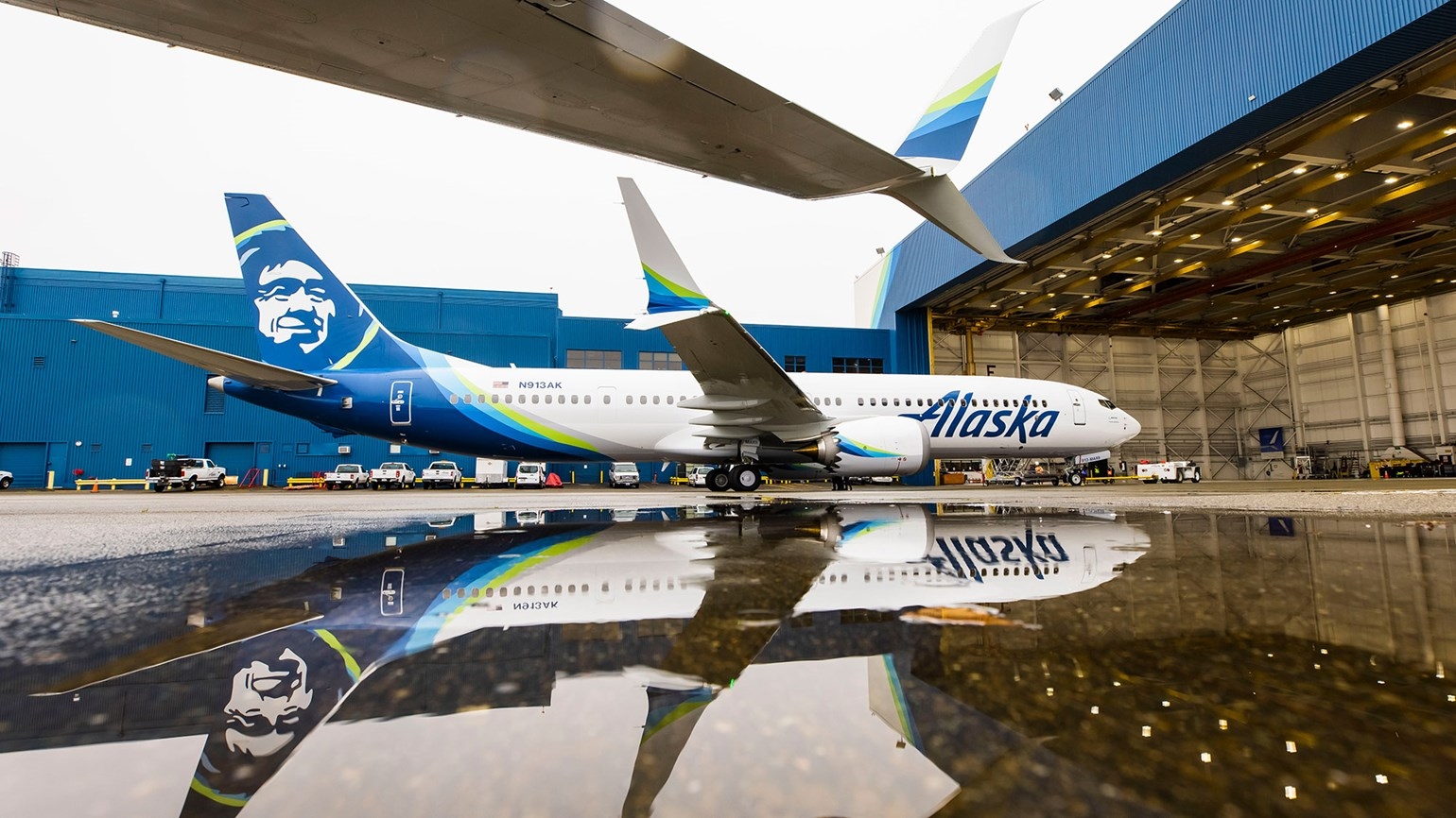 Alaska Airlines completes its first 737 Max flight