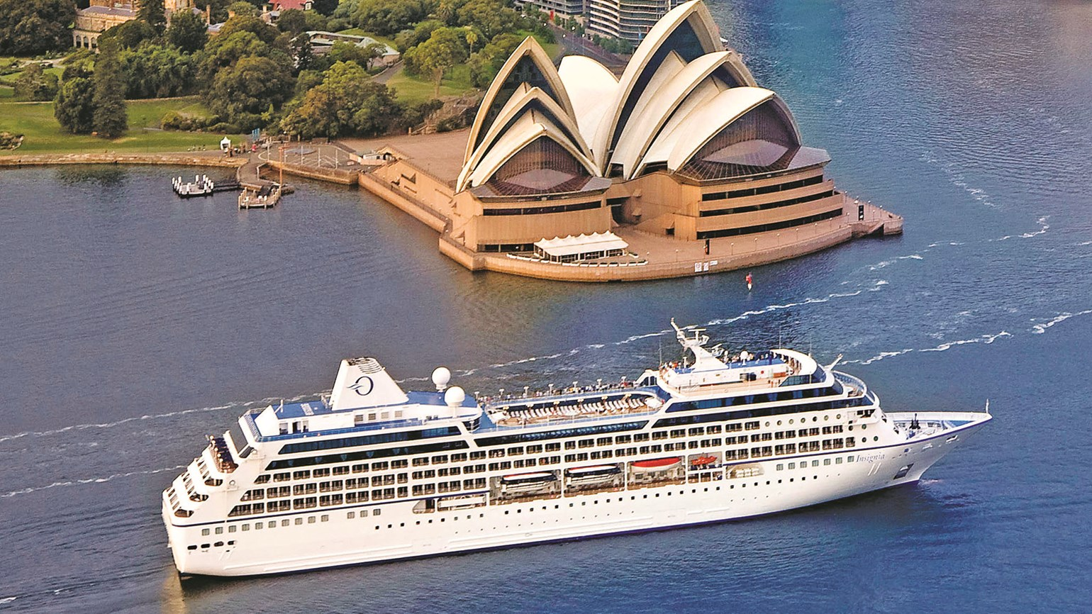 Australia, Guernsey and Seychelles extend their cruise ship bans