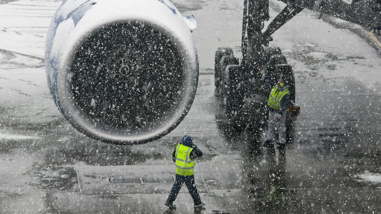 Early waivers for severe weather can benefit airlines and passengers