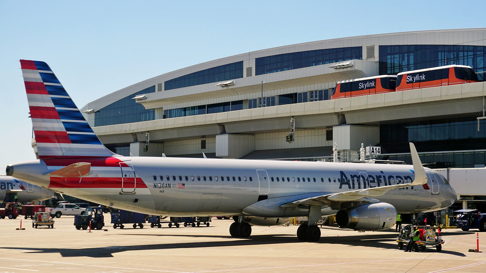 Morgan Stanley Increases American Airlines Group (AAL) Price Target to $60.00