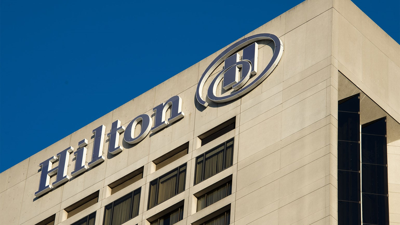 Hilton CEO forecasts modest rise in inbound travel this year