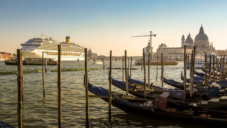 Pier crash in Venice sparks demonstrations: Travel Weekly