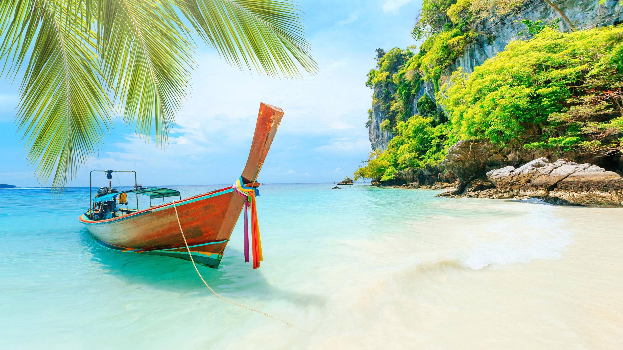 Thailand reopen Phuket, their most touristic island, with a courageous program called Phuket Sandbox