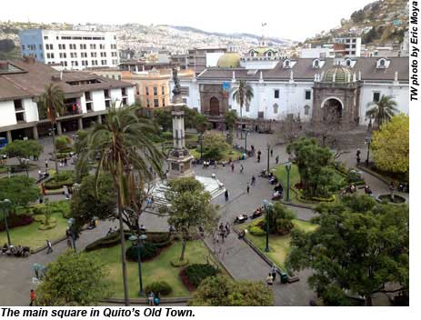 The main square in Quitos Old Town.