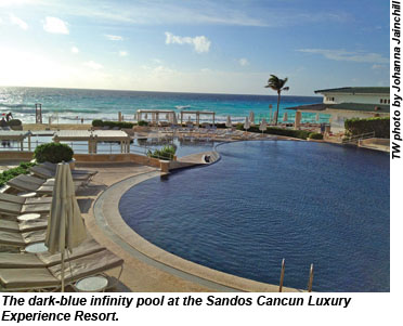 Sandos Cancun infinity pool