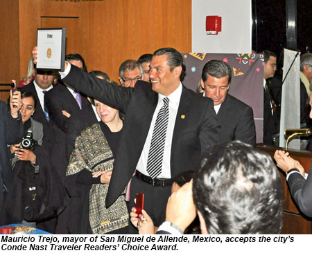 Mauricio Trejo, mayor of San Miguel de Allende, accepts a Conde Nast award.