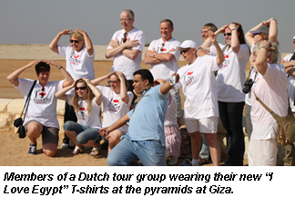 Dutch tourists at pyramids