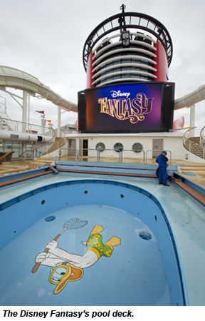 Disney Fantasy pool deck