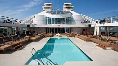 Seabourn Quest pool