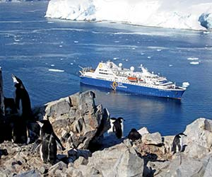 Antarctica-QuarkExpeditions-OceanDiamond300