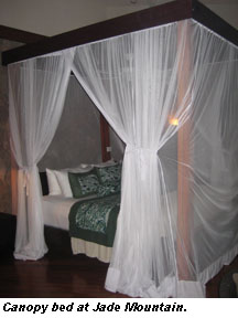 STLucia-Canopy bed Jade Mountain