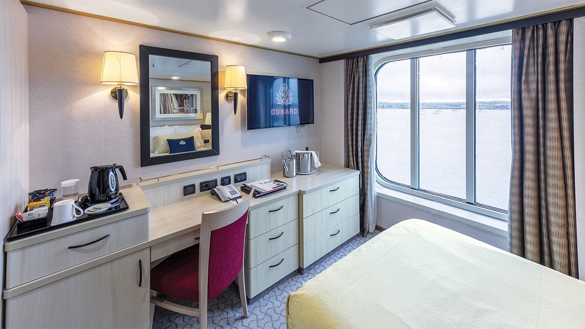T0802CUNARDQESINGLEOV_C [Credit: Cunard Line]