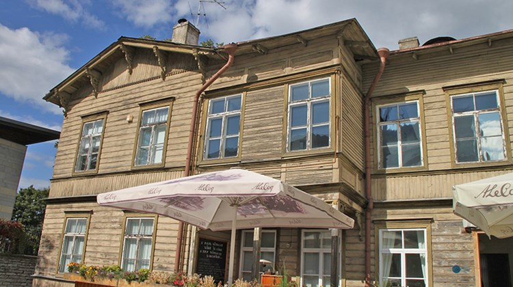 One of Tallinn's traditional wooden houses, now home to a restaurant called Neikid.
