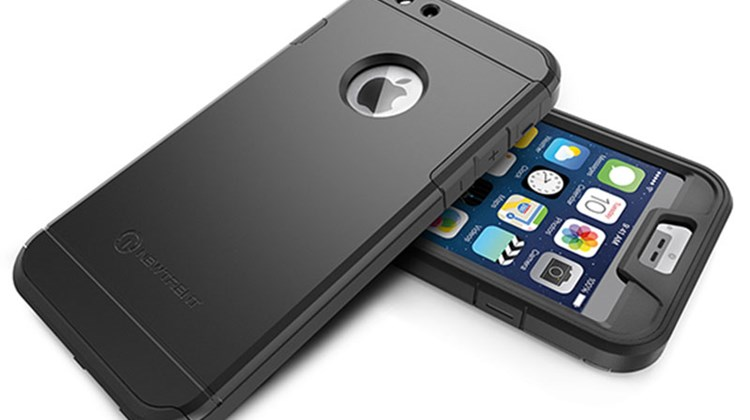 This shock-proof case weighs only 1.5 ounces yet sports a two-piece thermoplastic polyurethane shell and a polycarbonate cover. The ultra-thin Trentium 6S case (it adds only 5mm to the naked iPhone 6) enables the user to employ interchangeable black, silver or gold back plates to accessorize the look.
