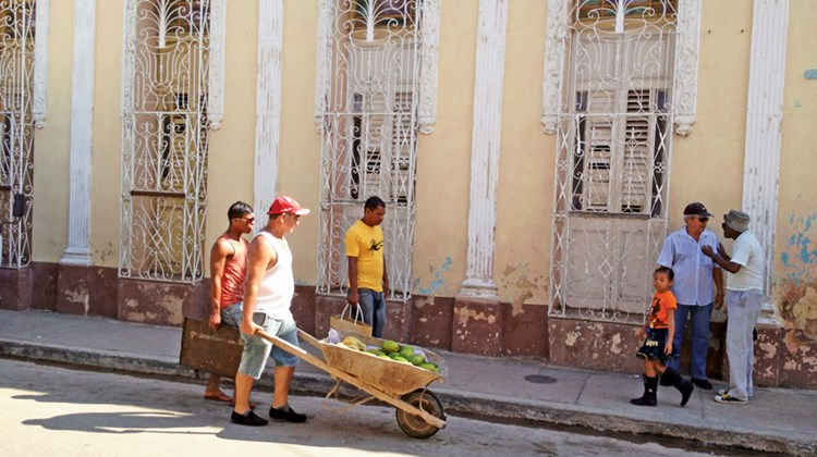 A typical street scene in Havana.