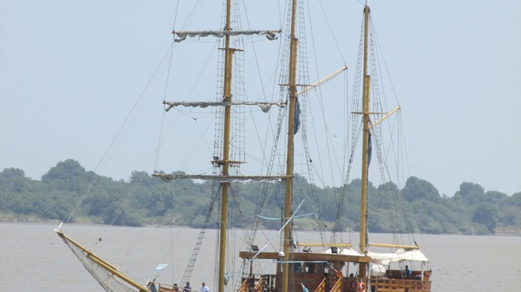 The Henry Morgan tour boat sets sail on Guayaquil's Guayas River.