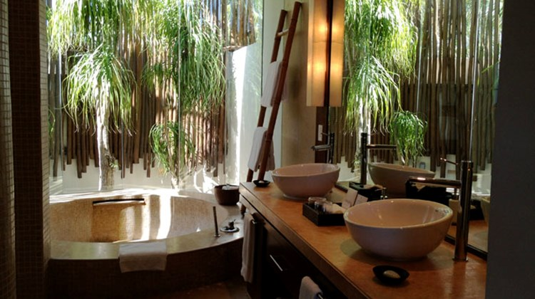 The bathroom of a Rosewood Mayakoba suite.