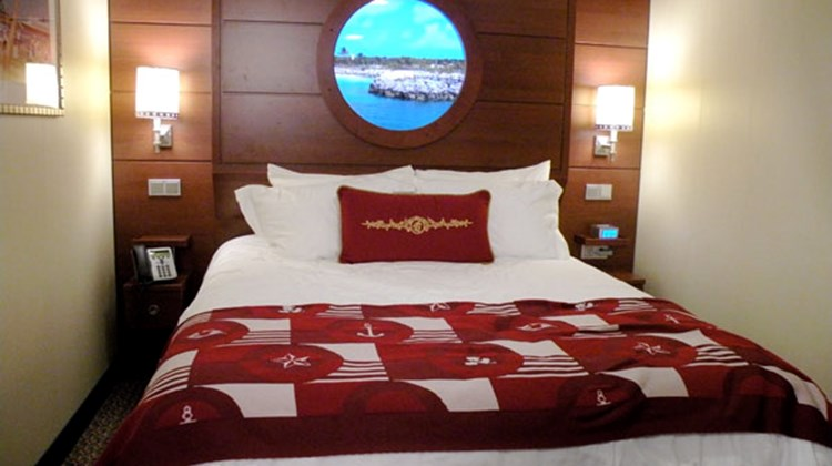 A Disney Dream stateroom with a virtual porthole.