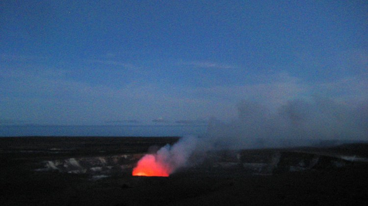 On clear evenings, the molten lava lake within Halemaumau Crater colors the escaping gas plume, attracting large crowds. Bring warm clothing if you plan to go at dusk. The windy overlook, which is 4,000 feet in elevation, is often downright frigid at night.