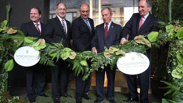 (L-R): Simon Scoot: VP global brand management, InterContinental Hotels & Resorts; Jim Anhut, SVP & chief dev. officer, IHG; Dan Tishman, vice chairman, Tishman Hotel & Realty; Mayor Bloomberg; Drew Schlesinger, GM, celebrate the opening of InterContinental Hotel Times Square.