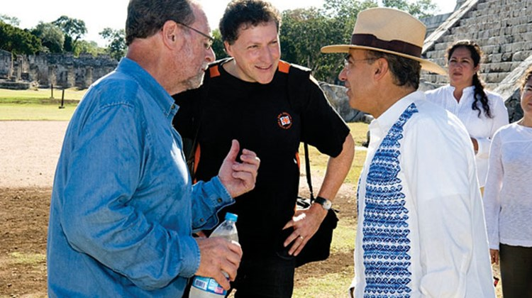 Peter Greenberg, Travel Weekly Editor in Chief Arnie Weissmann and Calderon at Chichen Itza. Photo by Robert Landau