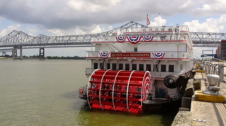 The Paddlewheel Lounge on the other end of Deck 2 is more intimate, with red leather furniture and dark wood tables.