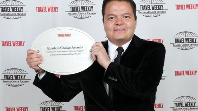 Alfonso Sumano of the Mexico Tourism Board accepted the Destination: Mexico award for the Riviera Maya.