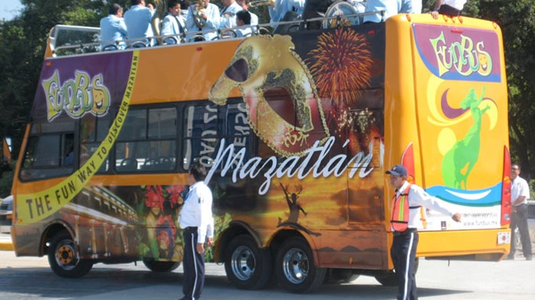 Mazatlan's new Fun Bus tours the city's Historic Area and Hotel Zone.