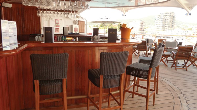 The Star Bar (formerly the Sail Bar) has been redone. Changes include free-standing wicker chairs with chair backs that replace wood stools bolted to the deck.
