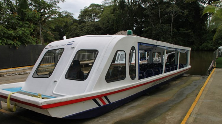 A boat typical of those used by cruisers for touring the Tortuguero Canals.