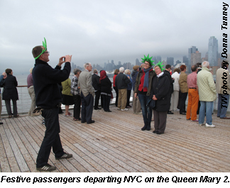 QM2 passengers